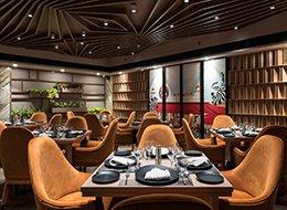 Изображение обеденного зала в ресторане