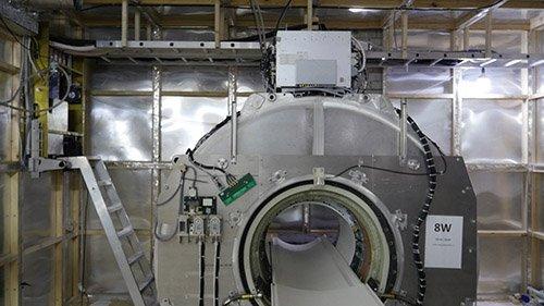 Изображение клетки Фарадея в МРТ комнате: стены