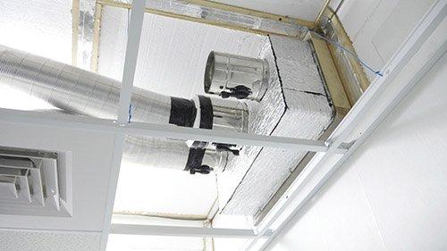 Второе изображение воздуховодов из немагнитной нержавейки в МРТ комнате