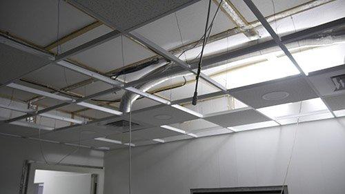 Третье изображение воздуховодов из немагнитной нержавейки в МРТ комнате